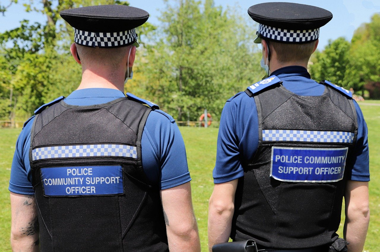 Community policing and police grants